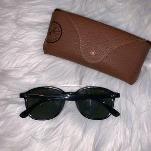 Ray-Ban Accessories - Ray-Ban Aviator Black Sunglasses Sunnies